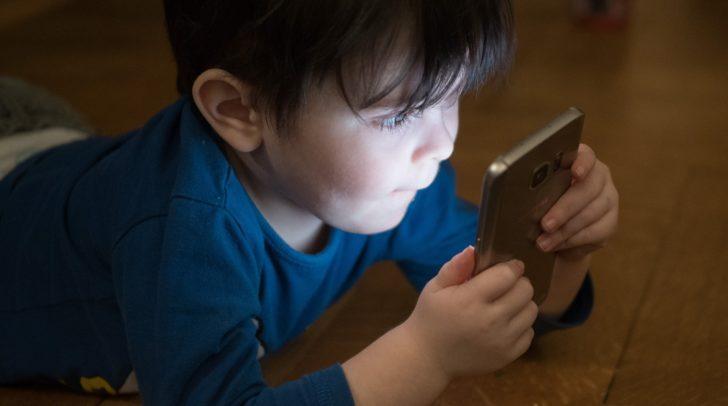 Alarmierend: Immer mehr Kinder und Jugendliche sind von Cybersucht betroffen
