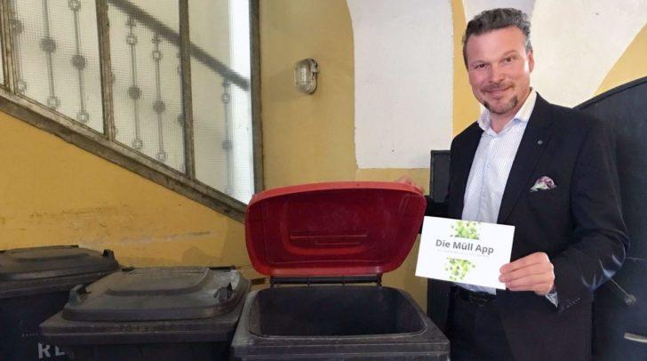 Entsorgungsreferent Vizebürgermeister Wolfgang Germ freut sich über die steigenden Nutzerzahlen der Müll App für Klagenfurt