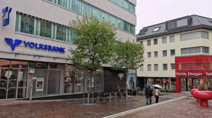 Berater aus der Filiale in Warmbad werden zur Volksbank am Standesamtplatz übersiedeln.