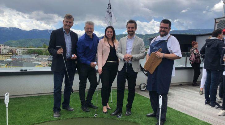 Bei der heutigen Veranstaltung überzeugten sich zahlreiche Persönlichkeiten von der Qualität des kleinen Golfplatzes.