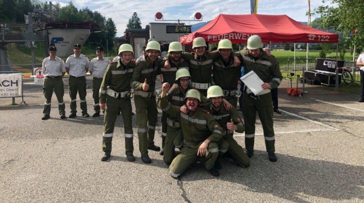 Die Kameraden der FF Drobollach freuen sich über den Sieg!