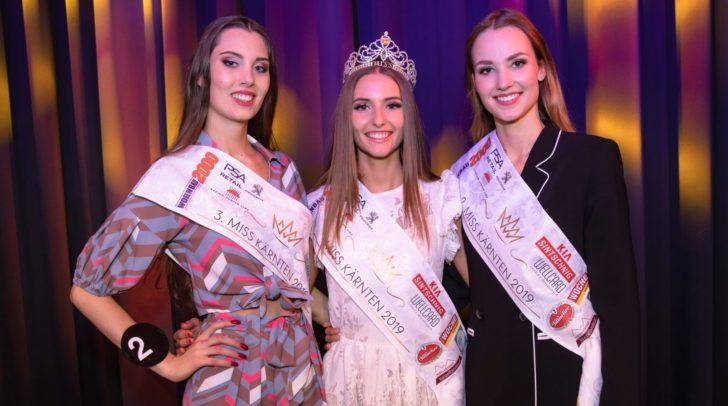 Ein Traum für Fashionistas: Auch die Top 3 der Miss Kärnten Wahl sind begeistert von der neuen Emel Gloss Kollektion. (c) Dieter Kulmer Photography