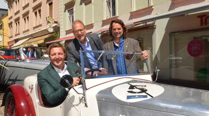 Auch der Oldtimerclub Villach stellt seine historischen Fahrzeuge in der Innenstadt aus