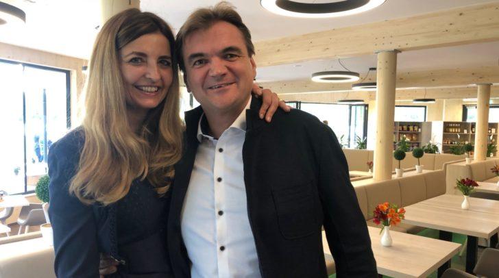 Martina und Harald Skrube freuen sich über die gelungene Eröffnung.