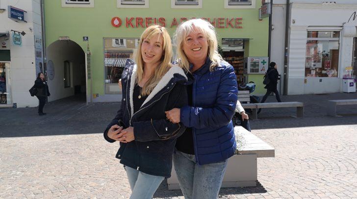 Andrea und ihre Mutter feiern heute gemeinsam den Muttertag!