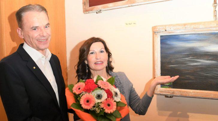 Evelyn Tschelisnig präsentiert ihre Werke noch bis 12 Mai in Velden.