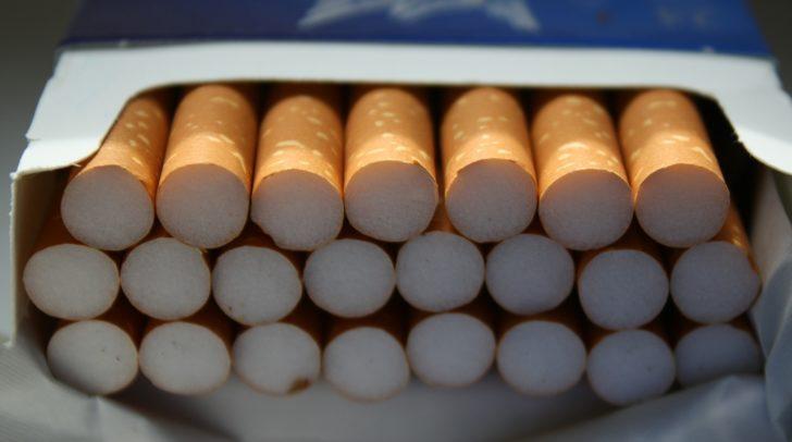 Die unbekannten Täter stahlen Zigaretten und Bargeld im Wert von mehreren tausend Euro.