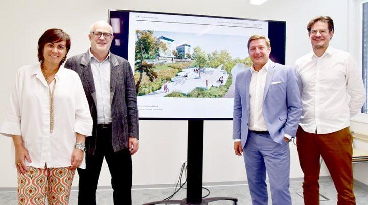 (v.l.n.r) Vizebürgermeisterin Petra Oberrauner, Babeg-Chef Hans Schönegger, Bürgermeister Günther Albel und Architekt Wolfgang Fiel.
