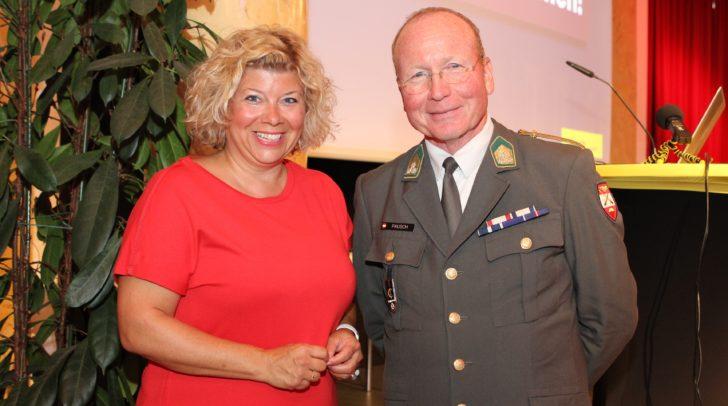 Auch Nationalratsabgeordnete Irene Hochstetter-Lackner verfolgte interessiert den aufrüttelnden Vortrag des Blackout-Experten Gottfried Pausch.