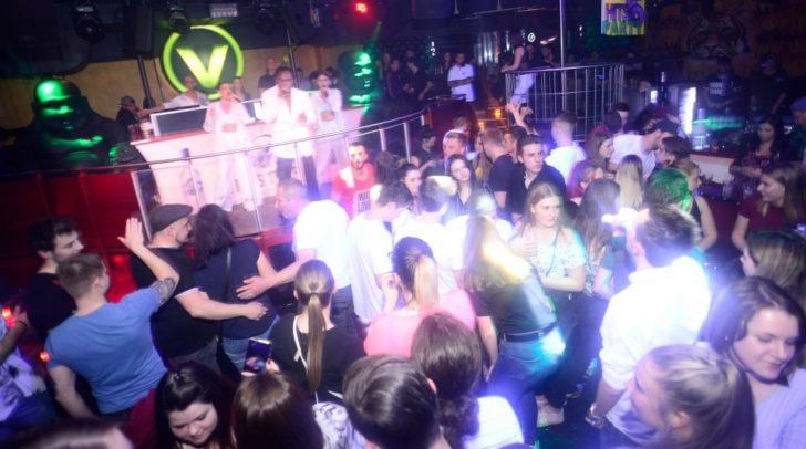 Dr. Alban brachte den V-Club bereits zum Beben. Dieses Wochenende wird SNAP! für eine Mega Party sorgen!