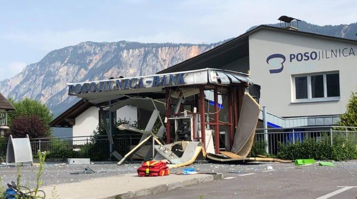 Der Schaden, der durch die Detonation entstanden ist, ist groß.