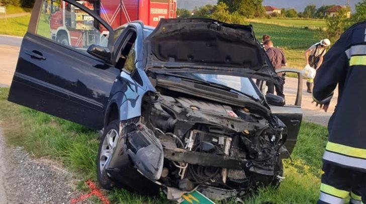 An beiden Fahrzeugen entstand großer Sachschaden.