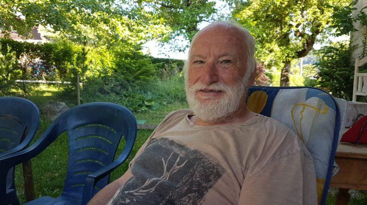 Der 71-jährige Hans Dieter Wurzer ist der Künstler, der hinter der Skulptur steckt.