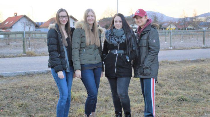 Die Studentinnen Julia Hilker, Nicole Lingenhel, Beatrice Torker und Katrin Lingenhel betreiben den Blog.
