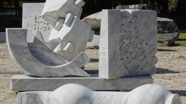 Freiluft-Galerie aus Krastaler Marmor.