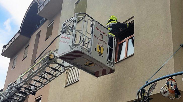 Ein Rauchmelder schlug Alarm und wurde mittels Fenstereinstieg deaktiviert.