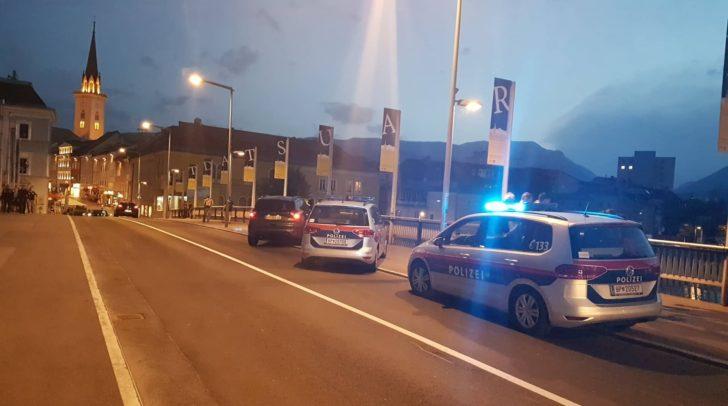 Der Villacher konnte gestern Abend bei der Draubrücke von der Polizei angehalten und festgenommen werden.