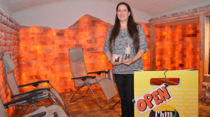 Auch Cornelia Steiner ist mit ihrer Salzinsel in der Gerbergasse bei den Chili Days mit dabei und bietet 5 Euro Rabatt bei einer Sitzung in der Salzgrotte.