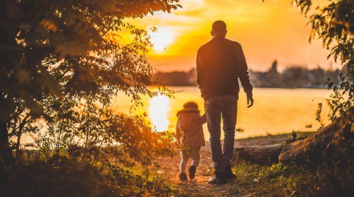 Seit dem Jahr 1955 wird der Vatertag in Österreich gefeiert. Damals sollte er den Konsum in der Sommerzeit ankurbeln.
