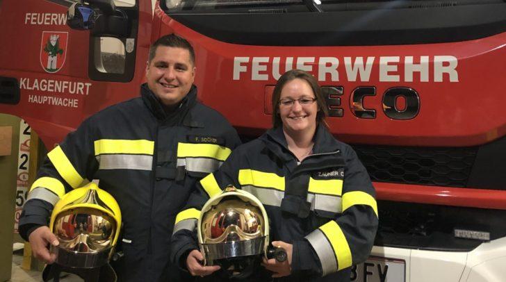 Kameradin Claudia Zauner mit Kommandant Oberbrandinspektor Franz Socher.