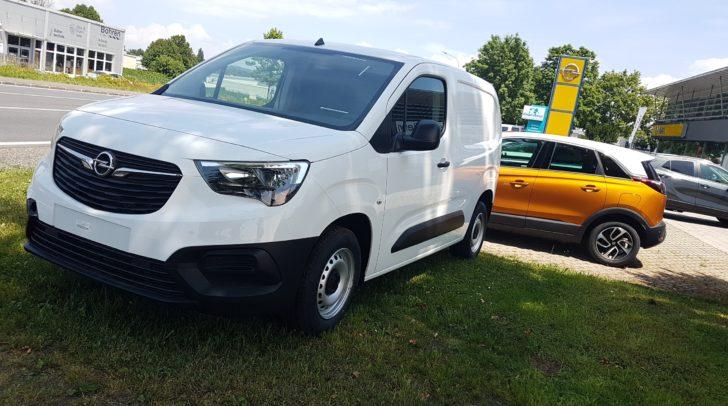 Geräumig, flexibel, mit intelligenten Sicherheits- und Fahrer-Assistenzsystemen – der Opel Combo ist der perfekte Geschäftspartner.