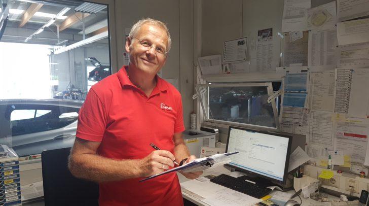 Eisner-Werkstättenleiter Josef Pechmann hat schon einige Lehrlinge ausgebildet, die jetzt Teil des Teams sind.