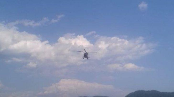 Eine Person wird derzeit reanimiert, auch ein Hubschrauber steht im Einsatz