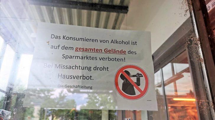 Mit diesem Aushang bekräftige der Besitzer das Alkoholverbot.