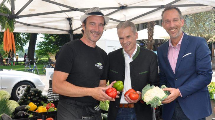 Auch Bürgermeister Ferdinand Vouk (Mitte) und Touristik-Chef Bernhard Pichler-Koban (re.)freuen sich über das neue Angebot in der Gemeinde