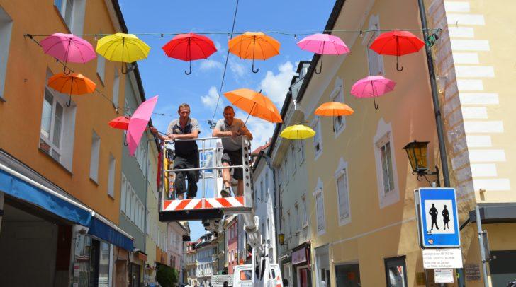 200 bunte Schirme werden die Gasse verzieren. (c) Stadtmarketing