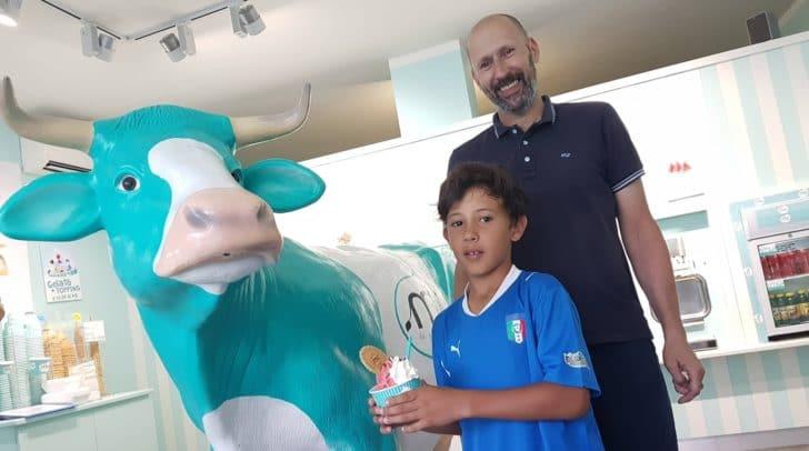 MU Eissalon Chef Andrea Capone mit seinem Sohn Tomaso.