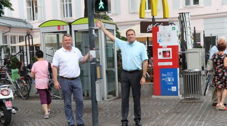 VP Stadtparteiobmann Stadtrat Markus Geiger und GR Siegfried Wiggisser fordern Countdown-Ampeln an den Hauptverkehrsrouten in Klagenfurt.