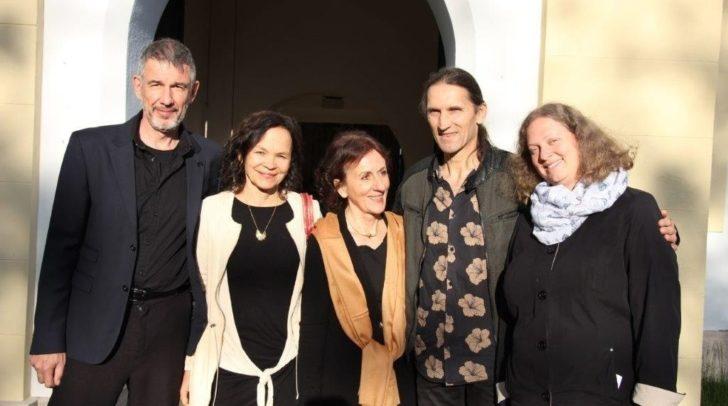 """Die Gruppe """"Abwunah"""" von links nach rechts: Mikl, Kollegger, Möseneder und Walluschnig (mit der Pfarrerin Sabine Schmoly)"""