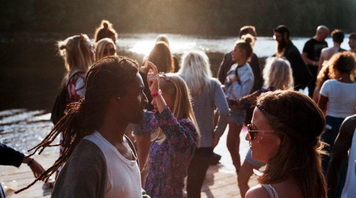 In St. Georgen am Längsee feierten gestern zahlreiche junge Erwachsene eine Party – bis die Polizeibeamten einschritten.