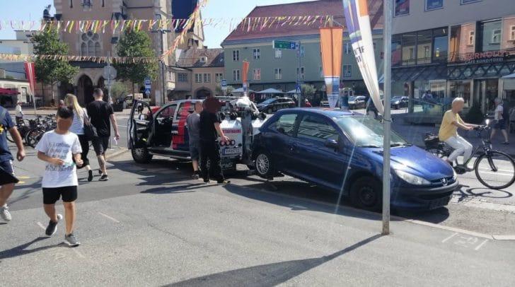 Mehrfach versuchte der Fahrzeugbesitzer, den Abschleppvorgang zu verhindern.