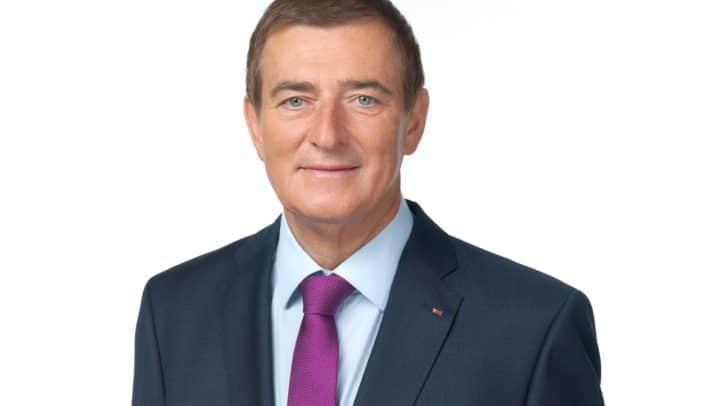Der Präsident der Arbeiterkammer, Günther Goach, fordert die Erhöhung des Arbeitslosengeldes.