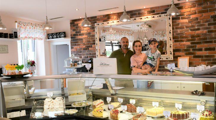 Familie Koloini lässt einen eigenen Automaten anfertigen, damit die Villacher Torte auch außerhalb der Geschäftszeiten den Gaumen der Kunden erfreuen kann.