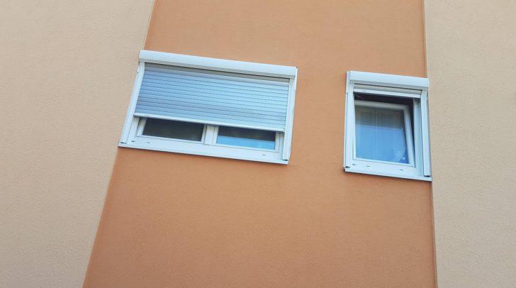 Vermutlich hinter diesen Fenstern wurde die leblose Frau gefunden.