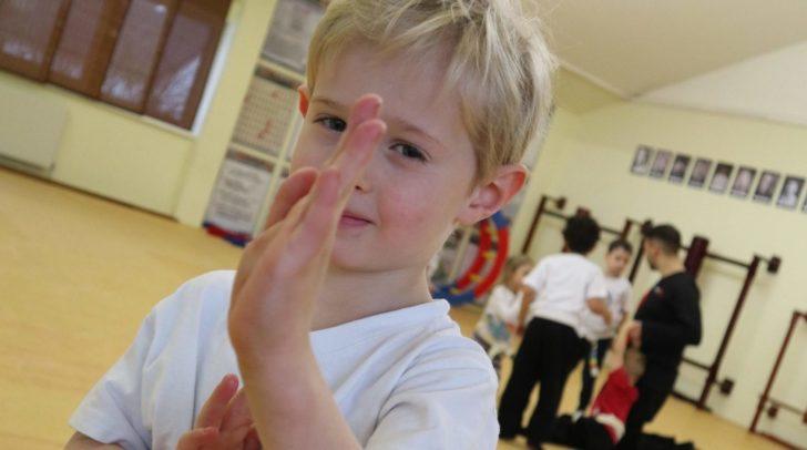 Die Kung Fu Akademie Villach bietet einen kostenlosen Selbstverteidigungskurs für Kinder an.