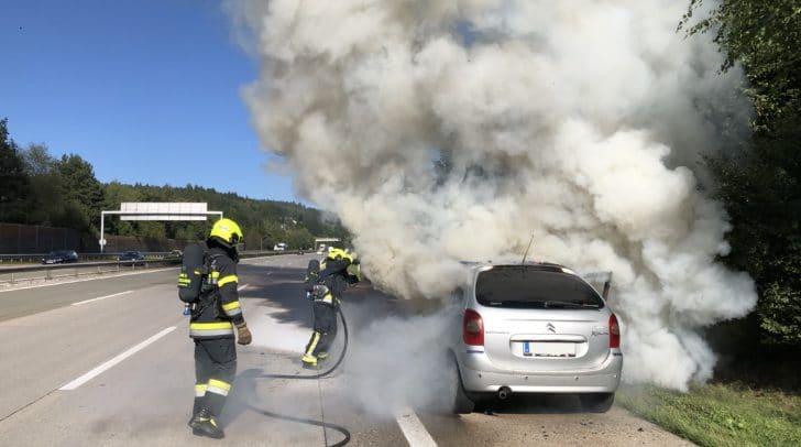 Die Hauptfeuerwache Villach und die FF Wernberg wurden zu einem Einsatz auf die A2 Südautobahn alarmiert.