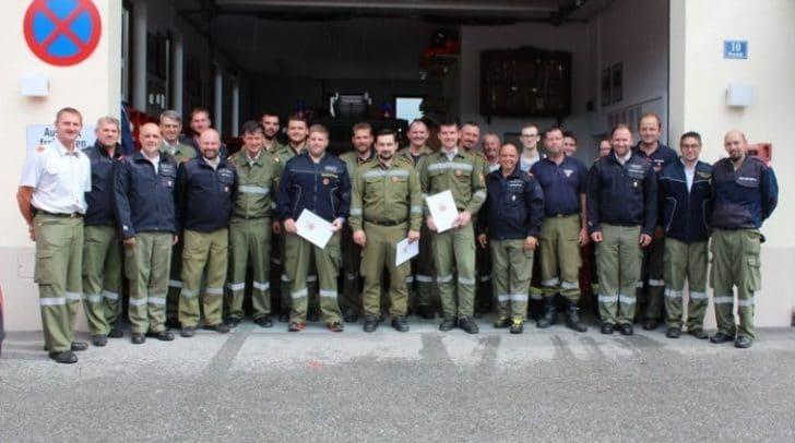 22 Kameraden und eine Kameradin traten bei der technischen Leistungsprüfung in Draschitz an.