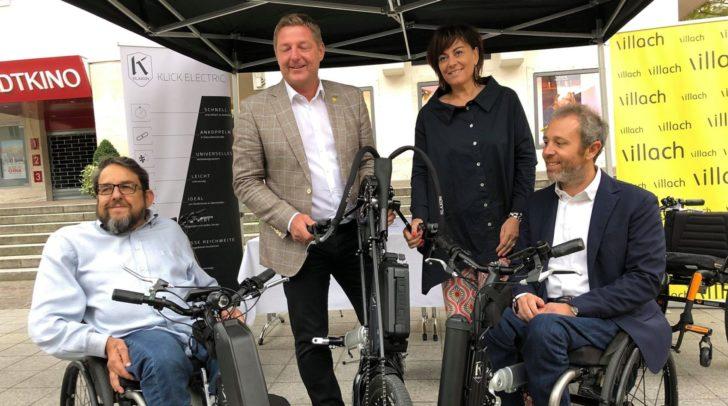 Bürgermeister Günther Albel und Vizebürgermeisterin Petra Oberrauner mit den Klaxon-Geschäftsführern Andrea Stella und Enrico Boaretto.