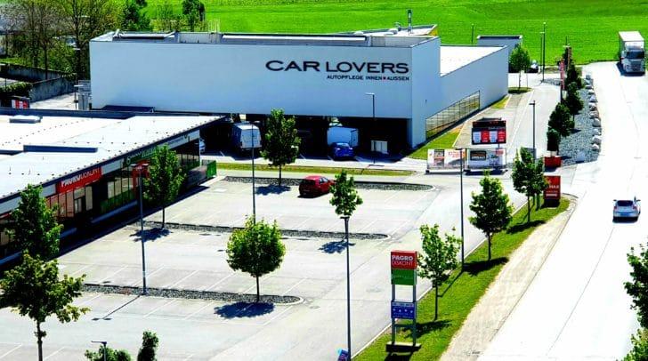Bei den Carlovers wird dein Auto im Handumdrehen gereinigt. Der Standort in Klagenfurt zählt zu den modernsten Waschanlagen in ganz Österreich.
