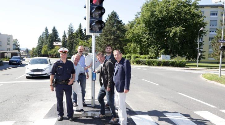 Kontrollinspektor Ferdinand Pirmann, Harald Remy, Stefan Hornböck (Abt. SV), Verkehrsreferent Stadtrat Christian Scheider, Björn Polzer (Siemens) und Verkehrsausschuss-Obmann GR Andreas Skorianz.