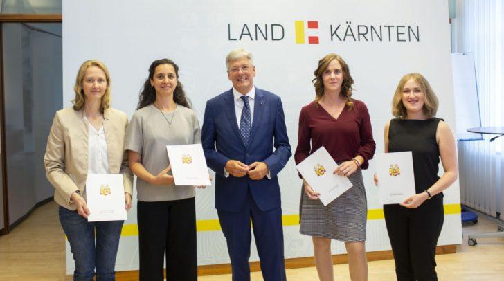 LH Peter Kaiser mit den ausgezeichneten: Margret Raunig Schneeweiss, Miriam Hill, Kathrin Zupan und Lisa Wagner.