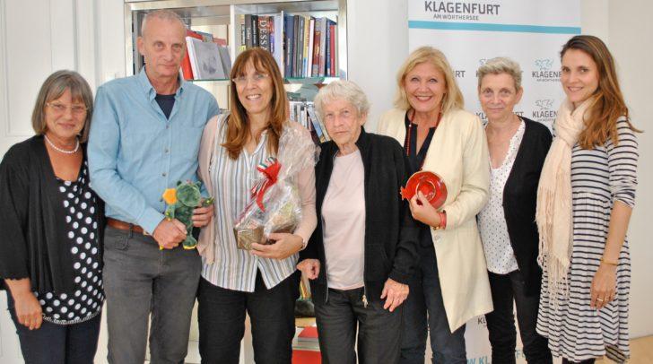 Eva Janica (Abt. Protokoll), Ron und Daphne mit Elvira Itzhaki, Bgm. Maria-Luise Mathiaschitz sowie Liora und ihre Tochter beim Besuch im Rathaus.