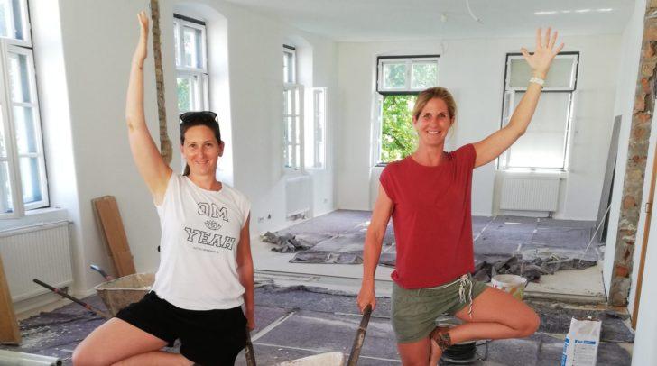 Sara Katu und Manuela Huss (v.l.) beim
