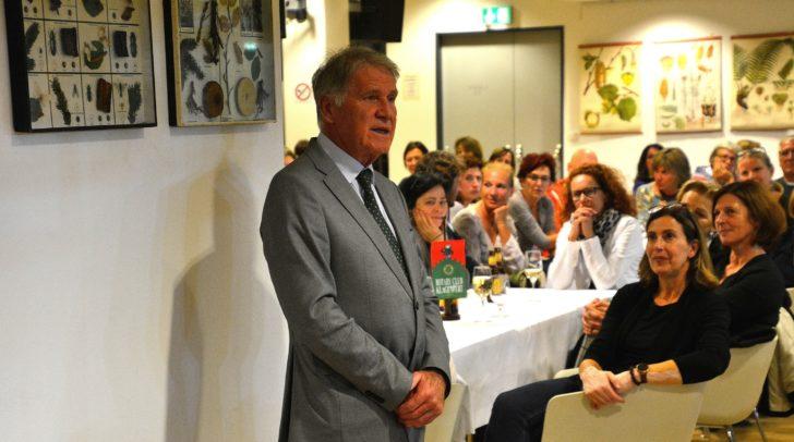 Präsident Heinz Schupp bei der Begrüßung.