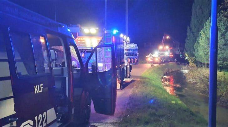 Die Feuerwehr St. Michael ob Bleiburg unterstütze den Abschleppdienst bei der Bergung.