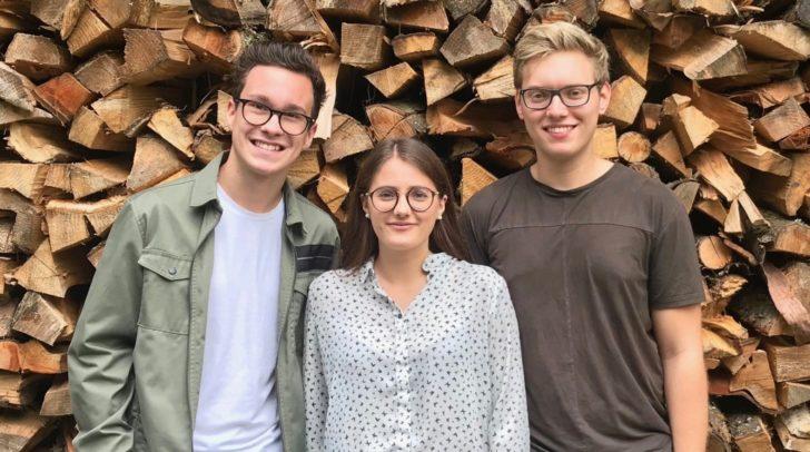 Das Schülertrio von HAK4Kids Michael Trattnig, Nadine Bair und Stephan Gratzer lädt zum Jubiläum.